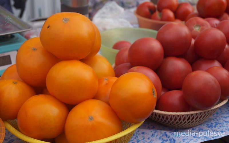 Цена на помидоры варьировалась от 1,5 до 4 рублей