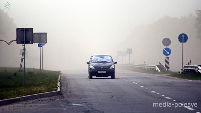 Пыльная буря на пересечении улицы Пинской с проспектом Мира