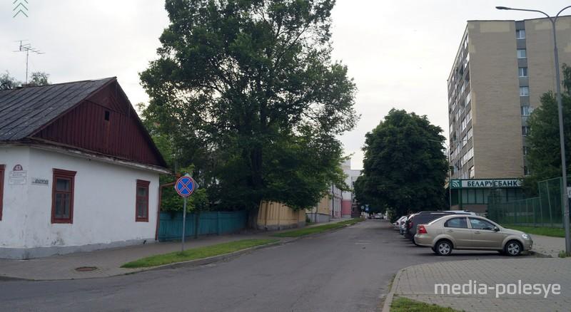Часть улицы Ольховских может стать пешеходной