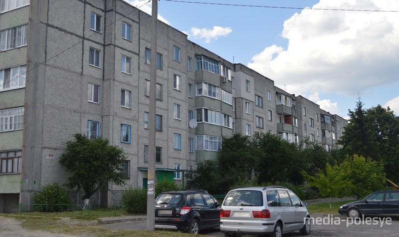 Дом №17 по ул. Молодёжная, где выросла Тихановская