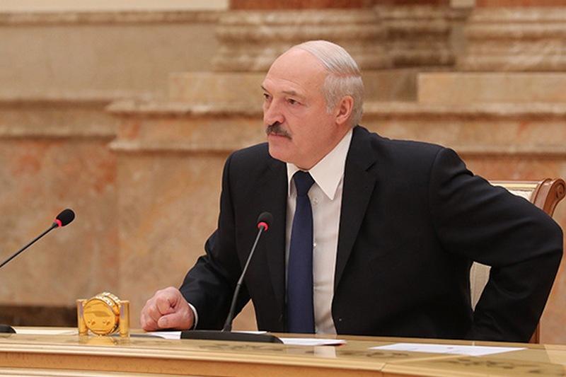 Александр Лукашенко во время совещания по кадровым вопросам 4 июня 2020 г. Фото с сайта news.tut.by