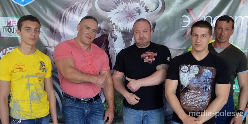 Мастер-класс пауэрлифтера Сергея Кузнецова в Лунинце, 2014 год