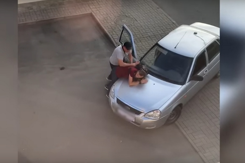 Скриншот видео задержаний в Пинске