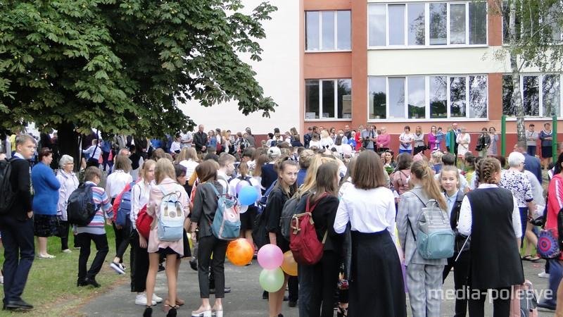 СШ №2 - самая многочисленная школа в Лунинецком районе