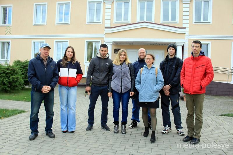Поддержать Оксану в суде пришли её друзья