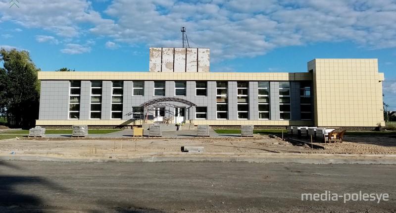 Лядецкий СДК во время реконструкции летом 2020 года