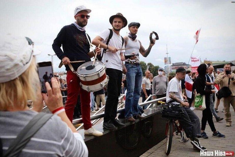 Иллюстративное фото — музыканты на одном из маршей протеста. Фото Надежды Бужан
