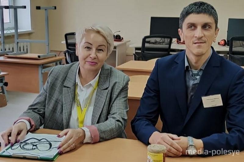 Валентина Ярмолич и Николай Мозоль во время защиты проекта. Фото предоставлено филиалом ГУ