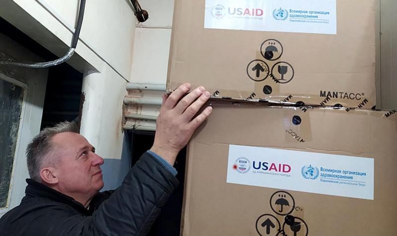 Передача оборудования белорусским учреждениям здравоохранения от ВОЗ и USAID / Фото: ВОЗ в Беларуси
