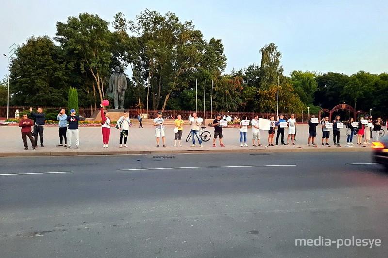 Протест жителей Столина против фальсификации выборов и насилия со стороны правоохранительных органов