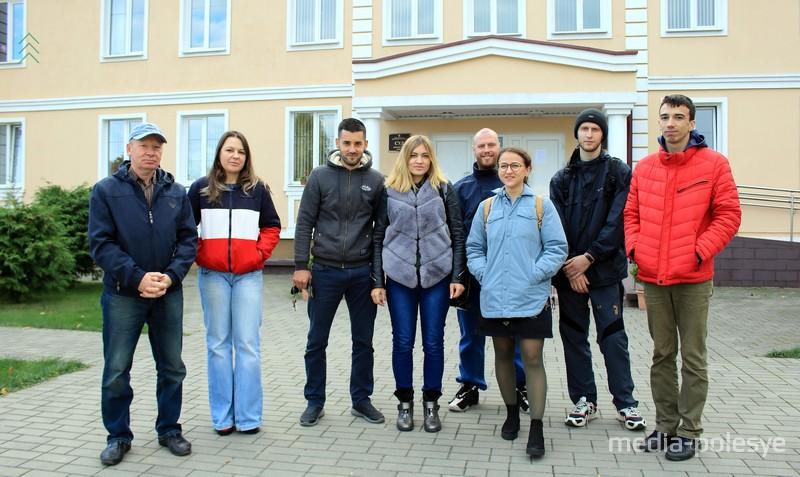 Оксана Добриянец и группа поддержки