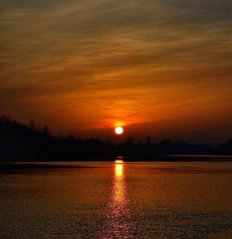 Закат на реке Припять @katushkatatarinovich