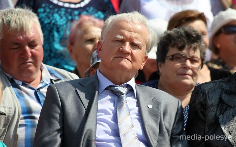 Александр Дульский на празднике рабочего посёлка Речица Столинского района