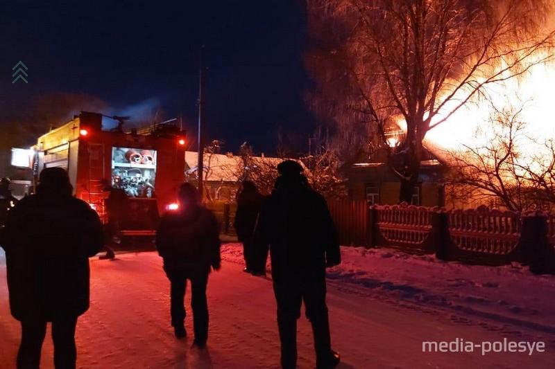В Лаховке горел жилой дом