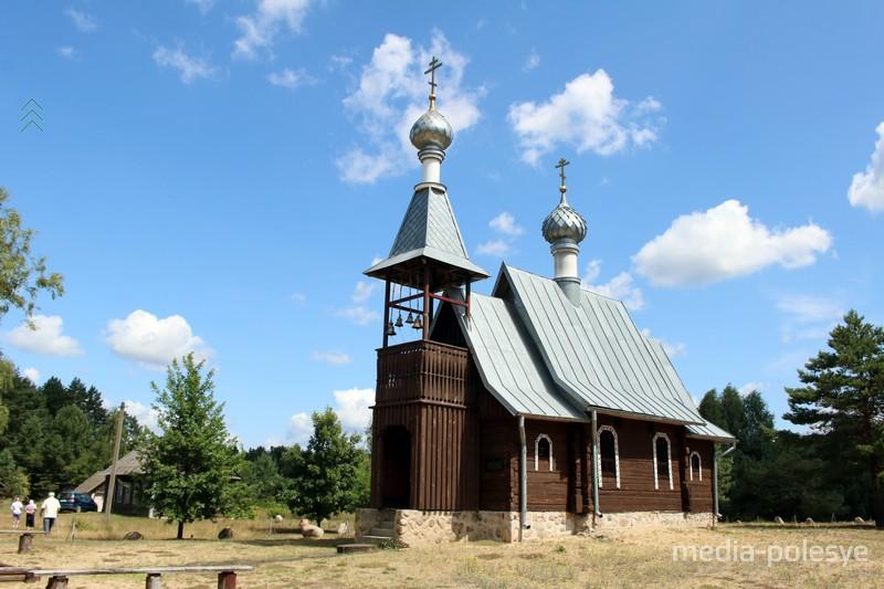 Часовня-памятник в Бобровичах