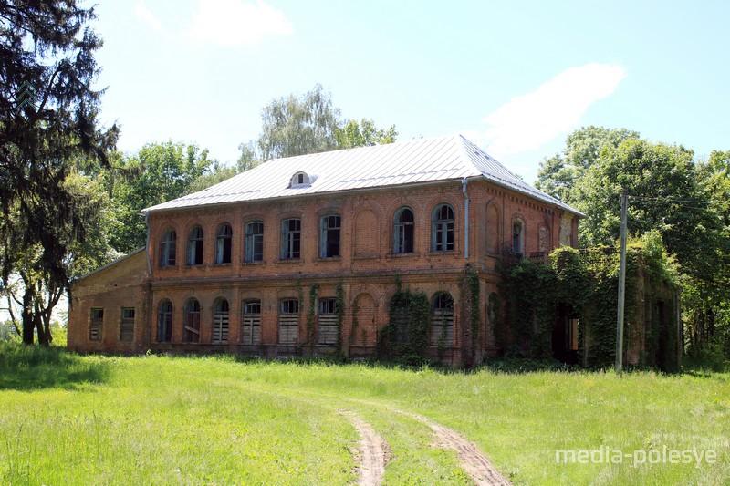 Дворец рода Олешей в Ново-Бережном