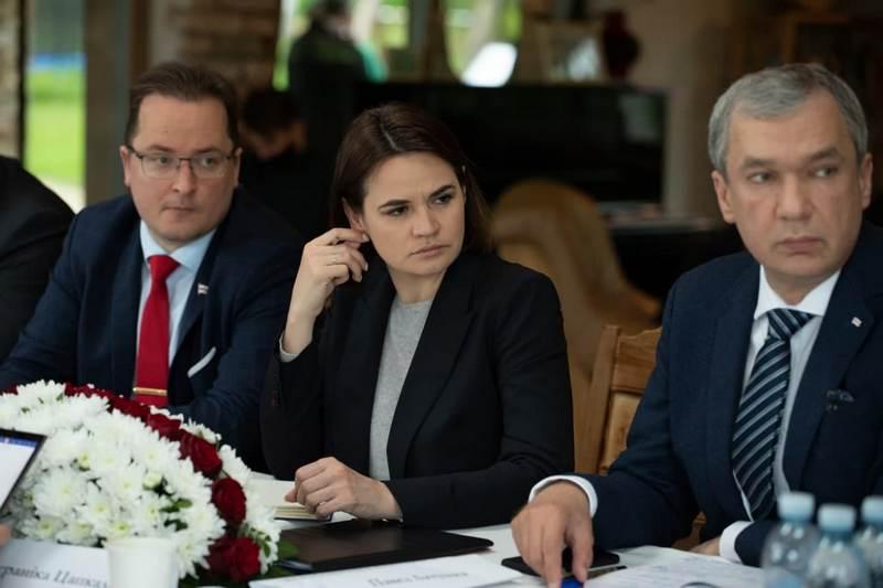 Франак Вячорка, Светлана Тихановская, Павел Латушко. Фото: пресс-служба
